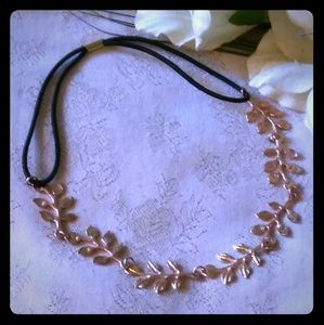 Vintage Row of Leaves Choker Necklace